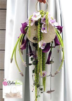 New Creation with Bolsa Flora I Arte Floral, Deco Floral, Ikebana, Floral Bouquets, Wedding Bouquets, Tropical Flower Arrangements, Tropical Flowers, Floral Bags, Floral Purses