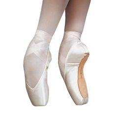 Entrada PRO Russian Pointe Shoe. #Ballet_beautie #sur_les_pointes  *Ballet_beautie, sur les pointes !*