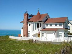 Rental Requests now being taken. Now, you have the unique opportunity to stay in one of Westports infamous 'tall houses.' The 'Westport Landship' exhibits one-of-a-kind breathtaking views from every room of ...