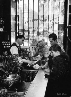 Willy Ronis, Paris 1948 on ArtStack #willy-ronis #art