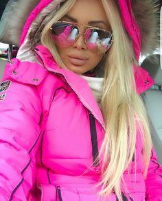 Pink Fashion, Luxury Fashion, Womens Fashion, Fashion Fashion, Mirrored Sunglasses, Sunglasses Women, Sunglasses Sale, Shady Lady, Young Fashion