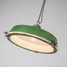 Lámpara colgante STURDY verde - Preciosa lámpara industrial y en un color verde muy llamativo.