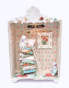 Princess and the Pea Diorama night lumier on Etsy, $200.00. Turning a scene from a story into a diorama
