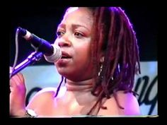 The Late Chiwoniso and Max Wild at the Grassroots Festival 2010 - YouTube