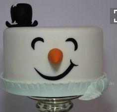 Love this snowman Christmas cake design! Christmas Cake Designs, Christmas Cake Pops, Christmas Goodies, Christmas Desserts, Christmas Treats, Winter Torte, Winter Cakes, Snowman Cake, Gateaux Cake