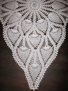 Totenkjærringas hobby Crochet Table Runner Pattern, Crochet Doily Patterns, Crochet Tablecloth, Crochet Designs, Crochet Doilies, Crochet Ideas, Free Pattern, Projects To Try, Rugs