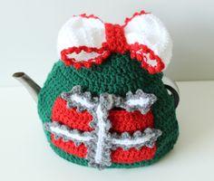 Virkattu teepannunlämmitin. Malli ja ohje Simply Crochet -lehdessä no. 64: Tuula Kyrölä
