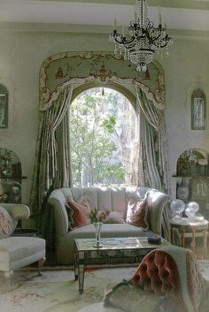47 French Country Sofa Decoration To Rock This Year - Futuristic Interior Designs Technology French Country Sofa, Country Sofas, French Country Bedrooms, French Country Living Room, French Country Decorating, Cottage Decorating, Decorating Kitchen, Living Room Decor Furniture, Living Rooms