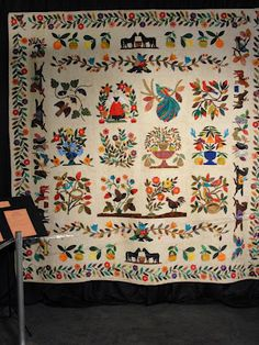 I Love this folk art quilt from the International Quilt Fest.  Shared by Stitchy Quilty Stuff
