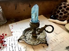 Put your crystals in a candle holder for display. Put your crystals in a candle holder for display. Crystal Magic, Crystal Grid, Crystal Healing, Crystals And Gemstones, Stones And Crystals, Wicca Crystals, Gem Stones, Blue Crystals, Crystal Decor