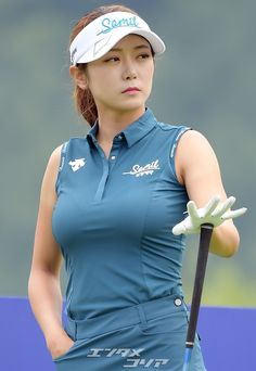 Girls Golf, Ladies Golf, S Girls, Beautiful Asian Women, Beautiful Celebrities, Asian Woman, Asian Girl, Tennis Fashion, Golf Wear
