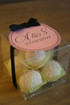 amaretto wedding favours