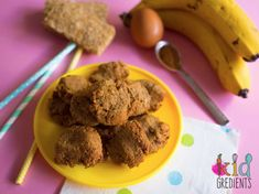 Only 4 ingredients are needed to make these easy mix and easy bake weetbix banana cinnamon cookies. Kid friendly, perfect for the lunchbox! Easy Lunch Boxes, Lunch Box Recipes, Cinnamon Cookies, Banana Cinnamon, Healthy Kids, Healthy Snacks, 4 Ingredients, Kids Meals, A Food