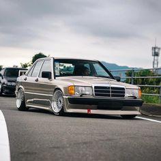 Mercedes 190 Evo, Mercedes Benz World, Mercedes Benz 190e, Benz E, Bmw 323i, Classic Mercedes, Tuner Cars, Car Wallpapers, Classic Cars
