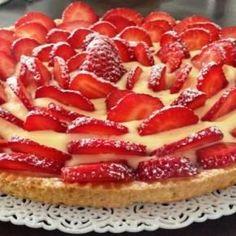Strawberry tart and mascarpone cream - Crostata di fragole e crema di mascarpone: un dessert irresistibile