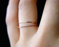 14 K Rose Gold füllen Twist Stapeln Ringe rose gold Stapelring Stapelring, Dreh Ring, rose gold Ring, Seil-Ring, 2er-set