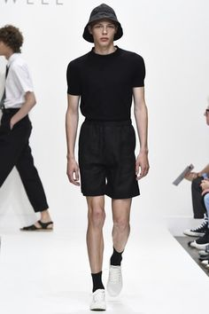 See the complete Margaret Howell Spring 2017 Menswear collection.