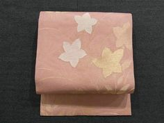 This is a charming summer sha Nagoya obi with 'kikyou'(Japanese bellflower) pattern, which is woven