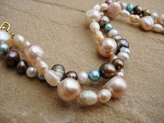 Love the colors of these pearls!