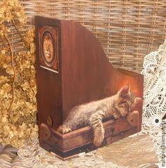 """Журнальница """"Сны чемоданного кота"""" – купить в интернет-магазине на Ярмарке Мастеров с доставкой"""
