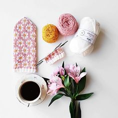 Ravelry: Spring Mittens pattern by Amanda Sund Mittens Pattern, Knit Mittens, Knitted Gloves, Knitting Socks, Daisy Pattern, Different Patterns, Needles Sizes, Ravelry, Two By Two