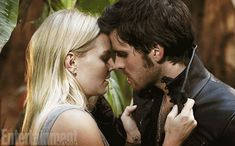Once Upon a Time Captain Hook and Emma Kiss | Once Upon a Time' First Look: Emma and Hook [spoiler]! -- EXCLUSIVE ...