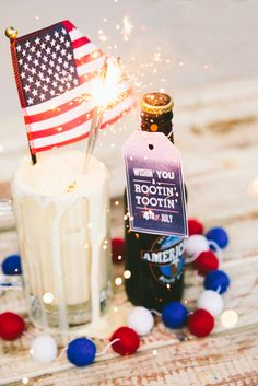 "FREE PRINTABLE TAGS- 4th of July | Root Beer Float | Simple Means Events -- ""Wishin' you a rootin' tootin' Fourth of July!"" #rootbeerfloat #sparkler #flag #fourthofjuly #party"