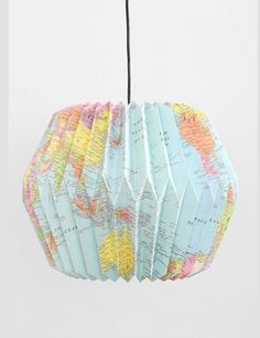 Origami Lampenschirm + Anleitung Mehr The Research Paper Idea But this is not the identical for ever Origami Diy, Origami Lampshade, Origami Paper, Origami Templates, Paper Lampshade, Origami Folding, Box Templates, Map Crafts, Arts And Crafts