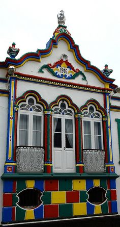 Ilha Terceira (Facade in Terceira Island) - Azores - Portugal Azores Portugal, Spain And Portugal, Portugal Travel, Las Azores, Terceira Azores, Places Around The World, Around The Worlds, Architecture, Dream Vacations