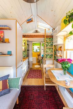 Home Interior Living Room This tiny house in Washington D. is full of bright colors, Scandinavian decor, cute organizing ideas, and a great vibe. and all in just 145 square feet! I House Tours by Apartment Therapy Quinta Interior, Home Interior, Interior Ideas, Tyni House, Tiny House Living, Cute House, Living Room, Tiny House Movement, Small Apartments