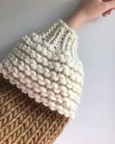 Honey Blossom Sweater — GoldFreckles. Wooly Jumper, Hand Knitted Sweaters, Big Cardigan, Cropped Cardigan, Balloon Shapes, Sheep Wool, Sweater Design, Garter Stitch, Yarn Colors
