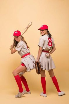 Best Last Minute DIY Halloween Costume Ideas - League Costume - Do It Yourself Costumes for Teens, Teenagers, Tweens, Teenage Boys and Girls, Friends. Fun, Clever, Cheap and Creative Costumes that Are Easy To Make. Step by Step Tutorials and Instructions http://diyprojectsforteens.com/last-minute-diy-halloween-costumes