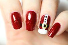 Oh,oh,oh... bonjouuur! On continue dans notre lancée avec ce nail-art de Noël que j'ai adoré porter, à l'effigie d'un célèbre barbu tout de rouge vétu. Je crois vous l'avoir déjà dit (une bonne diz...