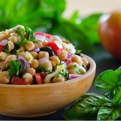 Greek Garbanzo Salad - simple, bright and flavorful. not to mention so very healthy! Salad Bar, Soup And Salad, Vegetarian Recipes, Cooking Recipes, Healthy Recipes, Healthy Salads, Garbanzo Salad, Chickpea Salad, Dinner Menu