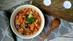 Fazuľová melencová polievka Zdravo, Pot Roast, Chili, Soup, Ethnic Recipes, Carne Asada, Roast Beef, Chile, Soups