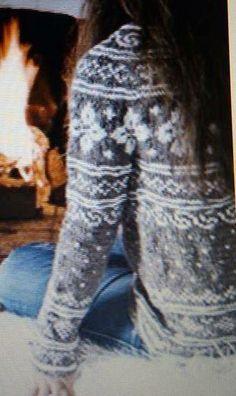 Kofte fra fillehaugen. Kofte i boken LUSEKOFTA FRA SETESDAL. Mønster i boka. Fair Isle Knitting, Hand Knitting, Knitting Patterns, Norwegian Knitting, Nordic Sweater, Hand Knitted Sweaters, Knit Crochet, North Sea, Style Inspiration