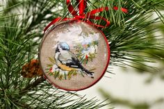 Вышивка - не только картина: Новогодние шары с птичками