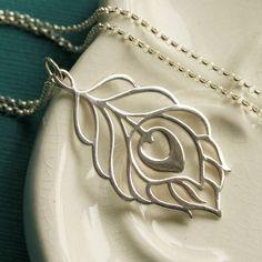 Collar de plumas de pavo real plata por Englady en Etsy