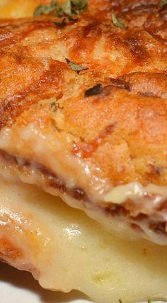 Chicken and Dumpling Casserole - The Cookin Chicks Easy Casserole Recipes, Casserole Dishes, Easy Dinner Recipes, Crockpot Recipes, Chicken Recipes, Cooking Recipes, Onion Casserole, Cooking Ideas, Chicken Dumpling Casserole