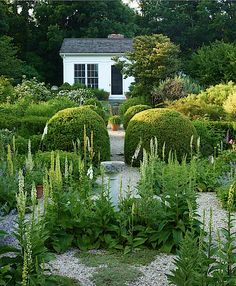 Page Dickey garden in Outstanding American Gardens