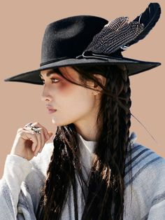 ╰☆╮Boho chic bohemian boho style hippy hippie chic bohème vibe gypsy fashion indie folk the . Boho Gypsy, Hippie Boho, Bohemian Style, Boho Chic, Look Fashion, Trendy Fashion, Gypsy Fashion, Trendy Style, 1950s Fashion