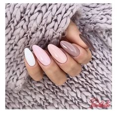 Nail art Christmas - the festive spirit on the nails. Over 70 creative ideas and tutorials - My Nails Pastel Nails, Purple Nails, Dream Nails, Love Nails, Perfect Nails, Gorgeous Nails, Stylish Nails, Trendy Nails, Nagellack Trends