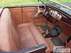 _1304sr 02+1932 Ford Roadster+MM Hot Rod Interiors Tan Leather Seats