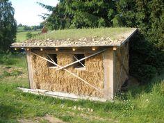 slaměný zahradní domek