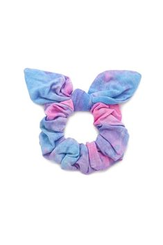 The are Back, and So Are Scrunchies — Here's How to Make Them Look Chic Diy Hair Scrunchies, Unicorn Fashion, How To Tie Dye, Velvet Scrunchie, Tie Dye Outfits, Accesorios Casual, Girls Hair Accessories, Forever 21 Accessories, Look Chic