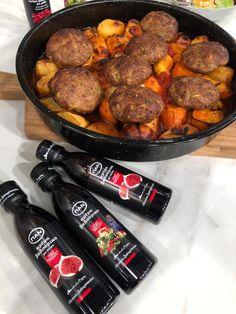 Βασίλης Καλλίδης: Μπιφτέκια φούρνου με πατάτες! - Fay's book Cookbook Recipes, Cooking Recipes, Sausage, Food And Drink, Meat, Kitchen, Cooking, Chef Recipes, Sausages