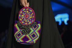 Wayuu - foto 10 Glasses Outfit, Tapestry Crochet, Womens Glasses, Mini Bag, African Fashion, Straw Bag, Leather, Shop, Templates
