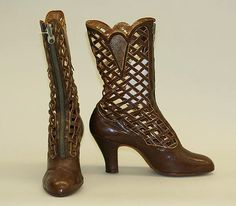 Brown lattice detail century boots by Anlij Edwardian Fashion, Vintage Fashion, Edwardian Style, Vintage Accessoires, Victorian Shoes, Old Shoes, Costume Institute, Historical Clothing, Weekender