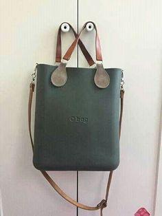 Best Bags, Wardrobe Basics, Hobo Bag, Satchels, Leather Bag, Purses And Bags, Clock, Shoulder Bag, Handbags