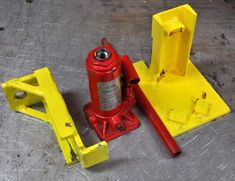 Image result for toe jack attachment Homemade Tools, Diy Tools, Shipping Container Storage, Container Homes, Lifting Devices, Metal Fab, Metal Working, Projects To Try, Workshop